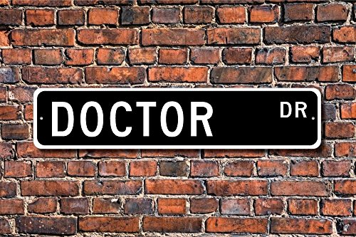 Teisyouhu Metal Sign Post Doctor Gift Sign Medical Office Sign For Medical Office Plaque Wall Home Decoration Street Sign