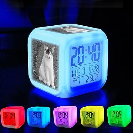 Dormitorio con datos de encendido reloj despertador 7 cambio ...