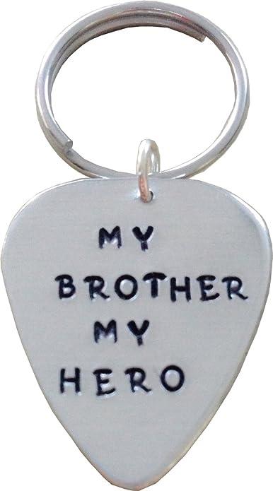 Amazon.com: My Brother My Hero – Púa de Guitarra Llavero ...