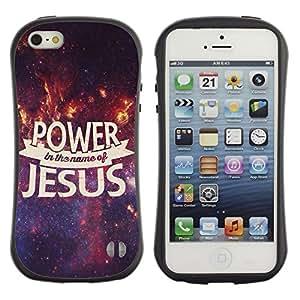 DREAMCASE Cita b¨ªblica Silicona y Rigida Funda Cover Carcasa Dura Case Para APPLE IPHONE 5 / 5S - POWER IN THE NAME OF JESUS