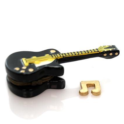 Negro de la guitarra eléctrica jugador de phb con caja