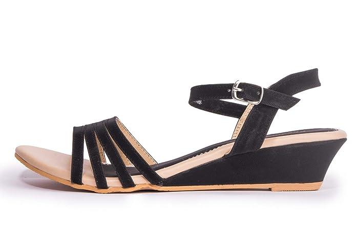 e35dcdb3b36e Khadims Women Casual Heel Sandal  Amazon.in  Shoes   Handbags