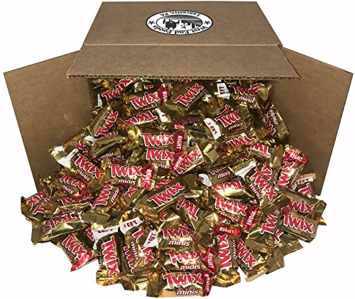 Twix Caramel, Classic Chocolate Candy Bars (5 lbs) Bulk of Minis Snacks in a Bag. Perfect for a Party, Buffet, Pinata, Halloween or Valentine Day Gift Baskets
