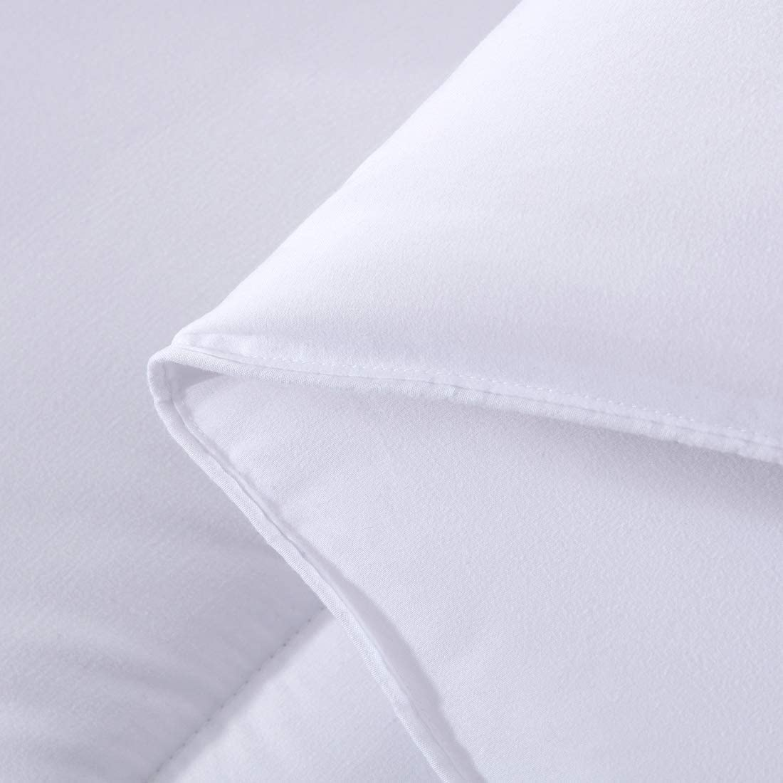 White, Twin Hypoallergenic Lempolsa Twin Comforter Down Alternative White Hotel Collection Reversible Duvet Insert with Corner Taps Down Proof Lightweight Warmth-All Seasons