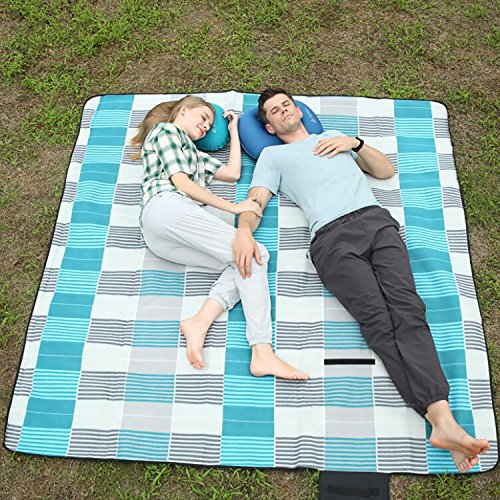 Hewolf Picnic Blanket Waterproof Extra Large Picnic Basket Backpack Accessories Outdoor Dual Layers Camping Mat Fleece Portable Picnic Rug Family Size Lawn Blanket Tote (Gray Plaid, 79 x 79)