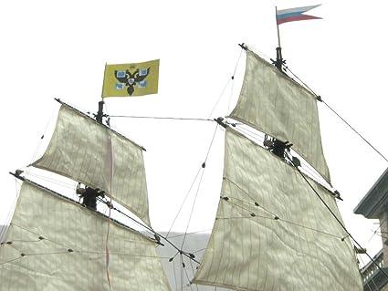 Amazon.com: Ingermanland 1715 modelo de barco madera: Toys ...