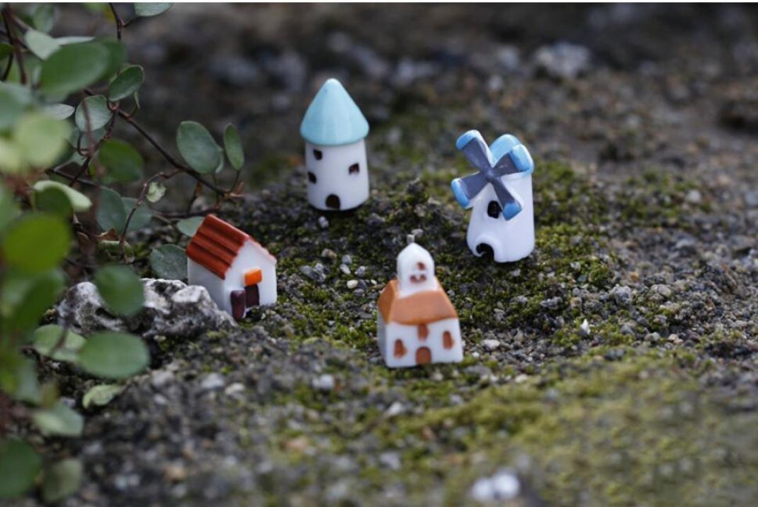 Grey Cupcinu Mini Castle Miniature Fairy Garden Old Castle Micro Landscape Plants Ornaments Dollhouse Succulent Plant DIY Accessories Outdoor Home Decor