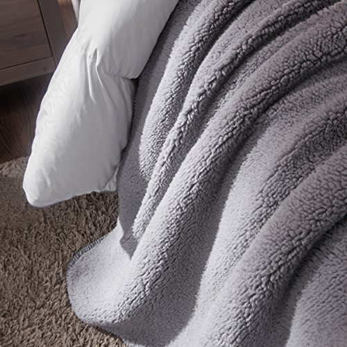 HYSEAS Sherpa Throw Blanket Grey and White - Super Soft Plush Cozy Warm Reversible Solid Blanket for Couch, Bed, Chair, Sofa - 50x60 Inch