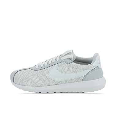 sneakers for cheap 96248 77891 Nike Womens Roshe Run Running Shoes