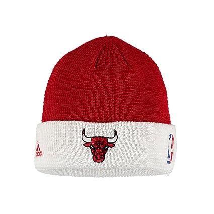 92457e99307 Amazon.com   adidas NBA Chicago Bulls Team Cuffed Knit Beanie (Red ...