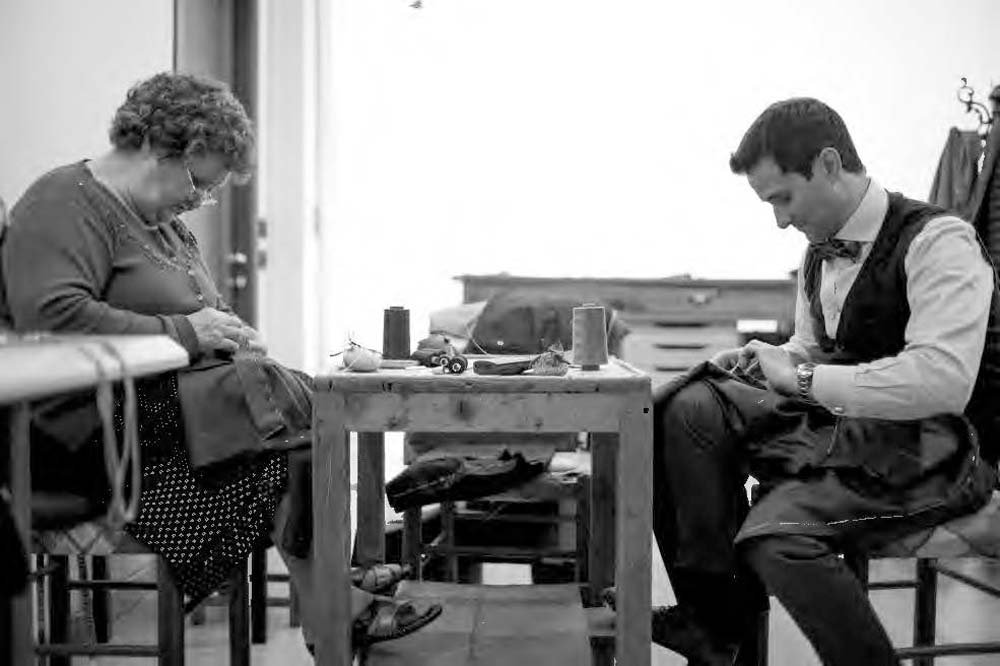 Italian Tailoring: A Glimpse into the World of Sartorial Masters by Skira (Image #3)