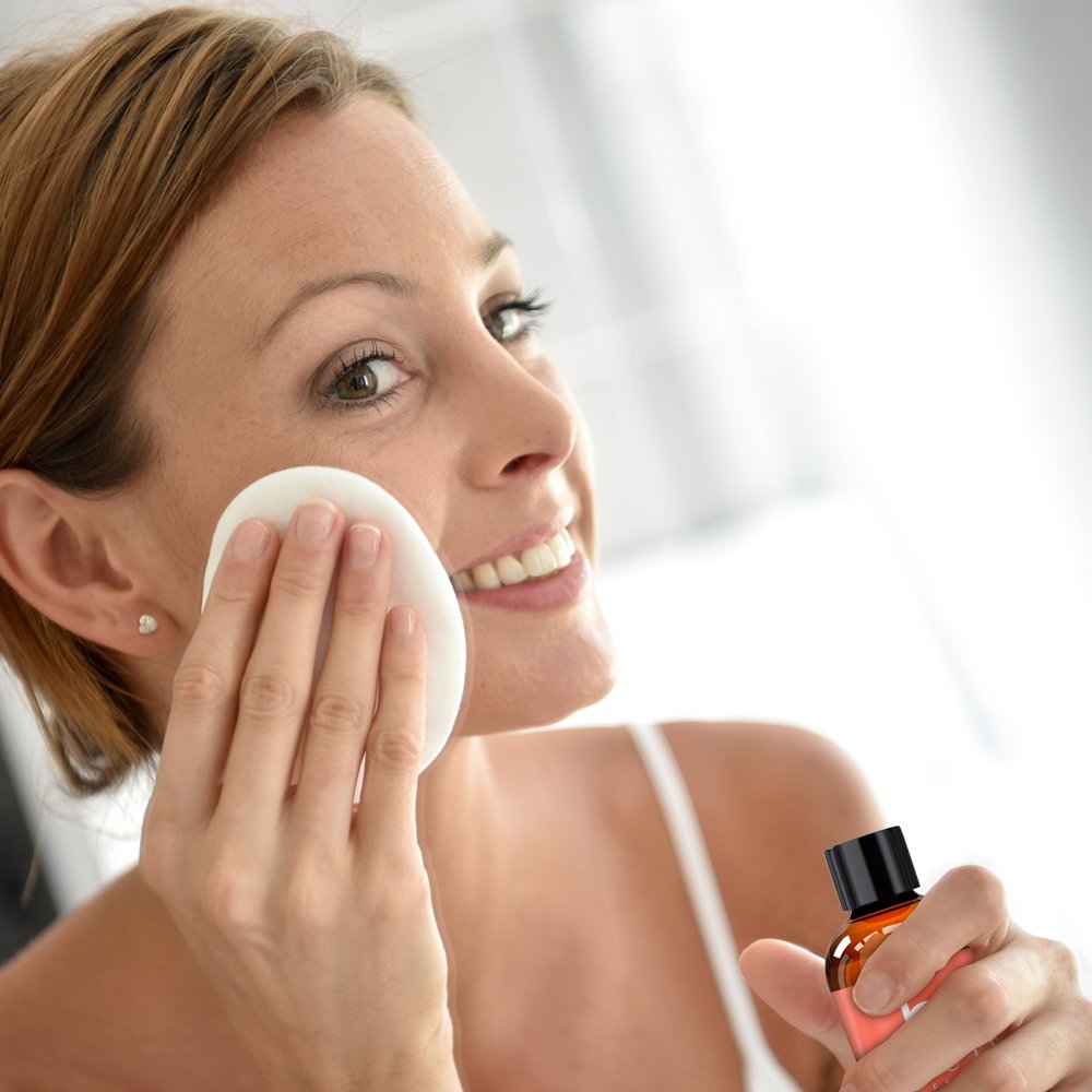 Desmaquillador Facial con Ingredientes Naturales y Orgánicos; fórmula suave, libre de aceites, líquido ultraligero para retirar y limpiar fácilmente el ...