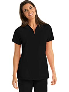 1c29ae10752 Amazon.com: Barco ONE 4-Pocket V-Neck Top for Women - 4-Way Stretch ...