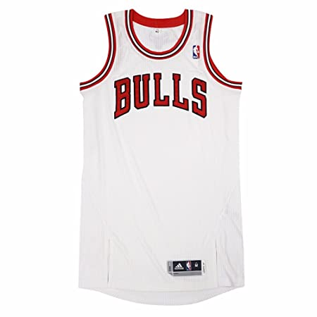 0ed6dcc318ae Amazon.com   Chicago Bulls NBA Adidas White Official Authentic On-Court  Revolution 30 Home Jersey For Men   Sports   Outdoors