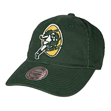 bade900b3f5 Green Bay Packers Mitchell   Ness NFL Throwback Felt Logo Slouch Adjustable  Hat  Amazon.co.uk  Sports   Outdoors