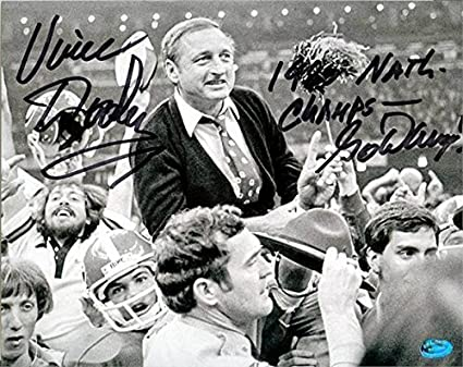 Vince Dooley Signed Photo 8x10 Head Coach Image Sc5 1980