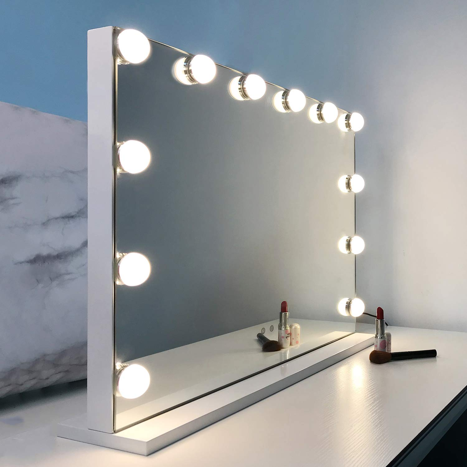 Amazon Com Wayking Vanity Mirror With Lights Hollywood Lighted Makeup Mirror With 12 Dimmable Led Bulbs Tabletop Or Wall Mounted Mirror With Usb Outlet And 3 Lighting Modes H17 3 X L22 8 Inch Beauty