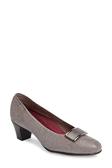 de3a4aca17b Munro Womens Mara Closed Toe Classic Pumps
