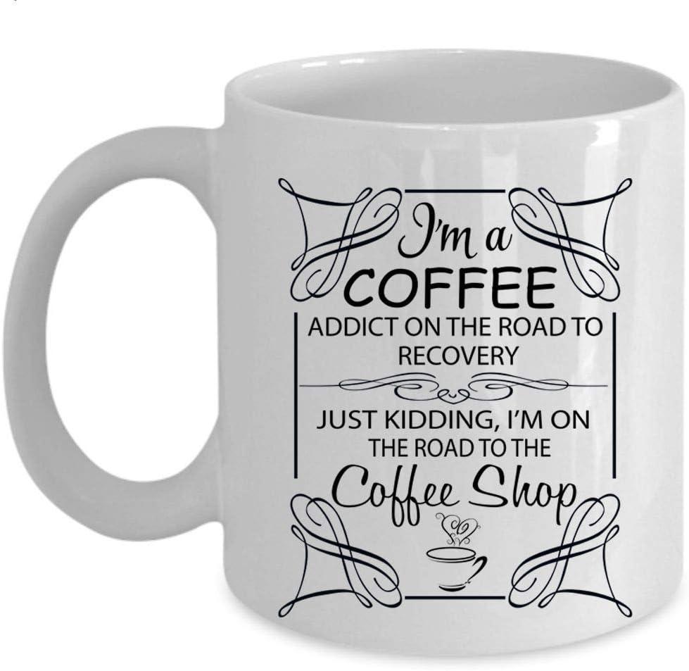 Estoy en el camino a la taza de caf/é de la cafeter/ía soy un adicto al caf/é en la taza del camino taza de caf/é - BLANCO
