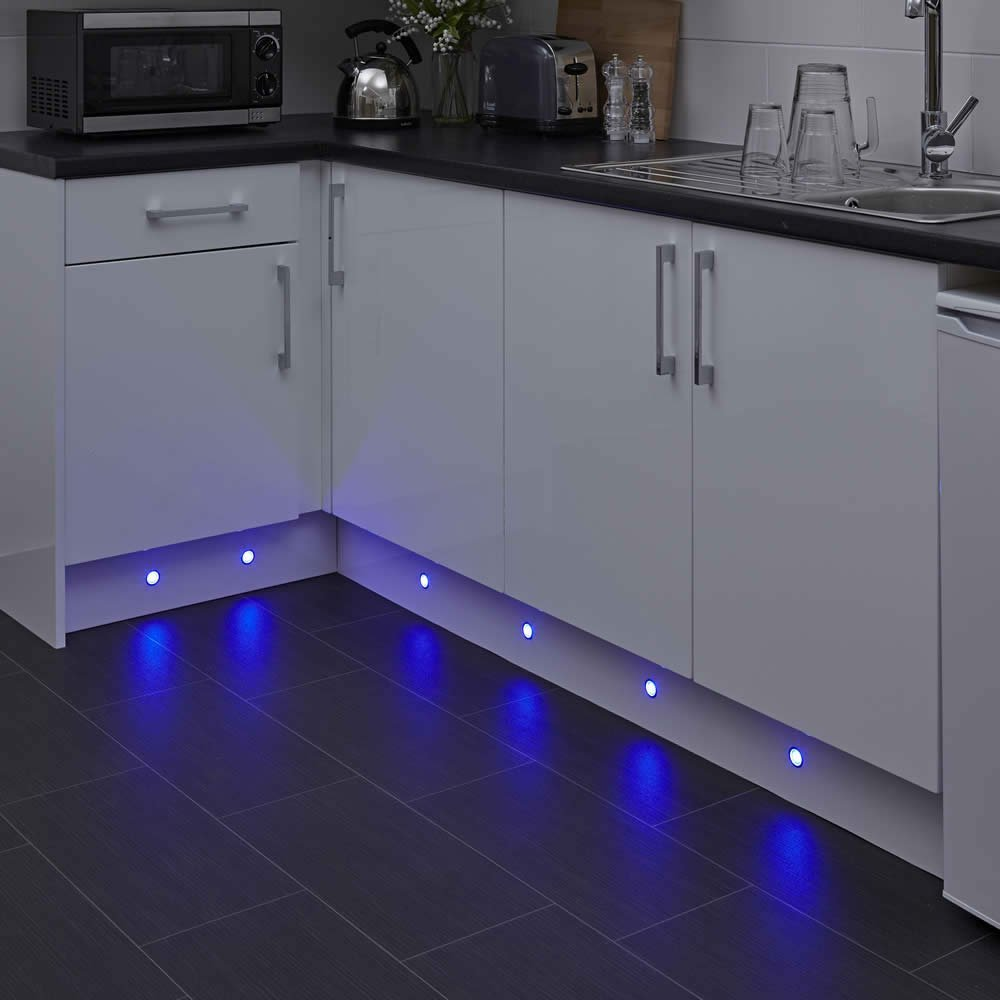 Plinth Lighting For Kitchens Biard 6 X Round Led Plinth Light Recessed Kitchen Decking Kit 30mm
