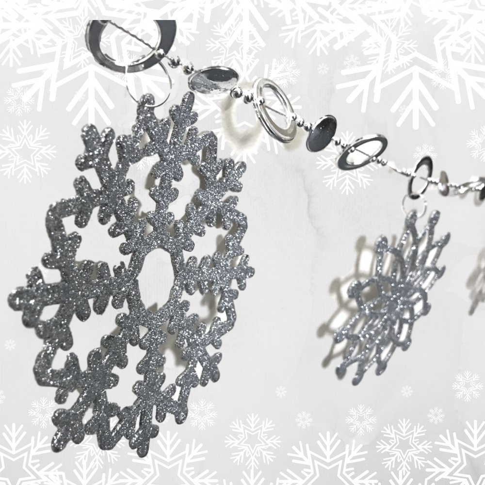 Silver Glittered Garland - 6 FT Long with Plastic Glittered Snowflakes - Snowflake Banner - Christmas Garland