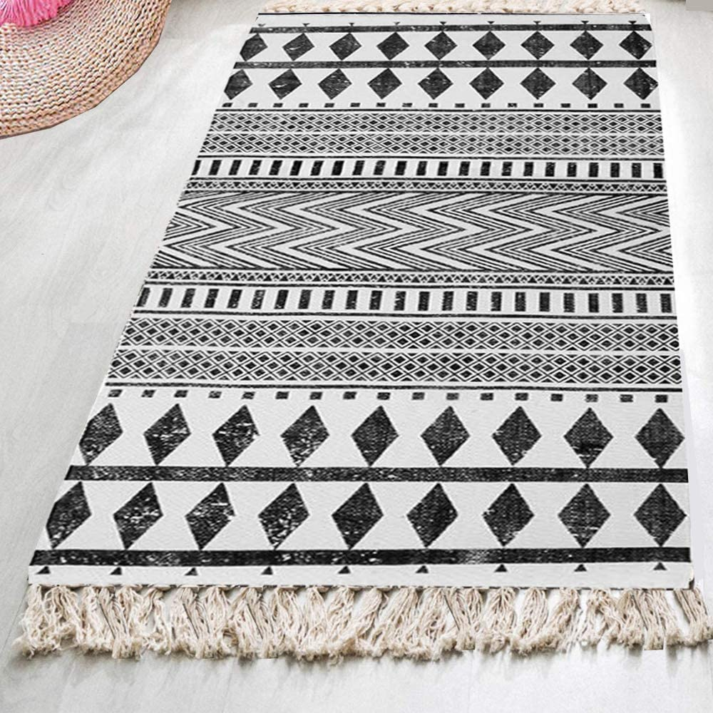 HEBE Boho Cotton Rug Runner, Cotton Throw Rug 2.3'x6', Woven Rug Kitchen Rug, Fringe Tassel Rug for Kitchen Laundry Doorway Bedroom