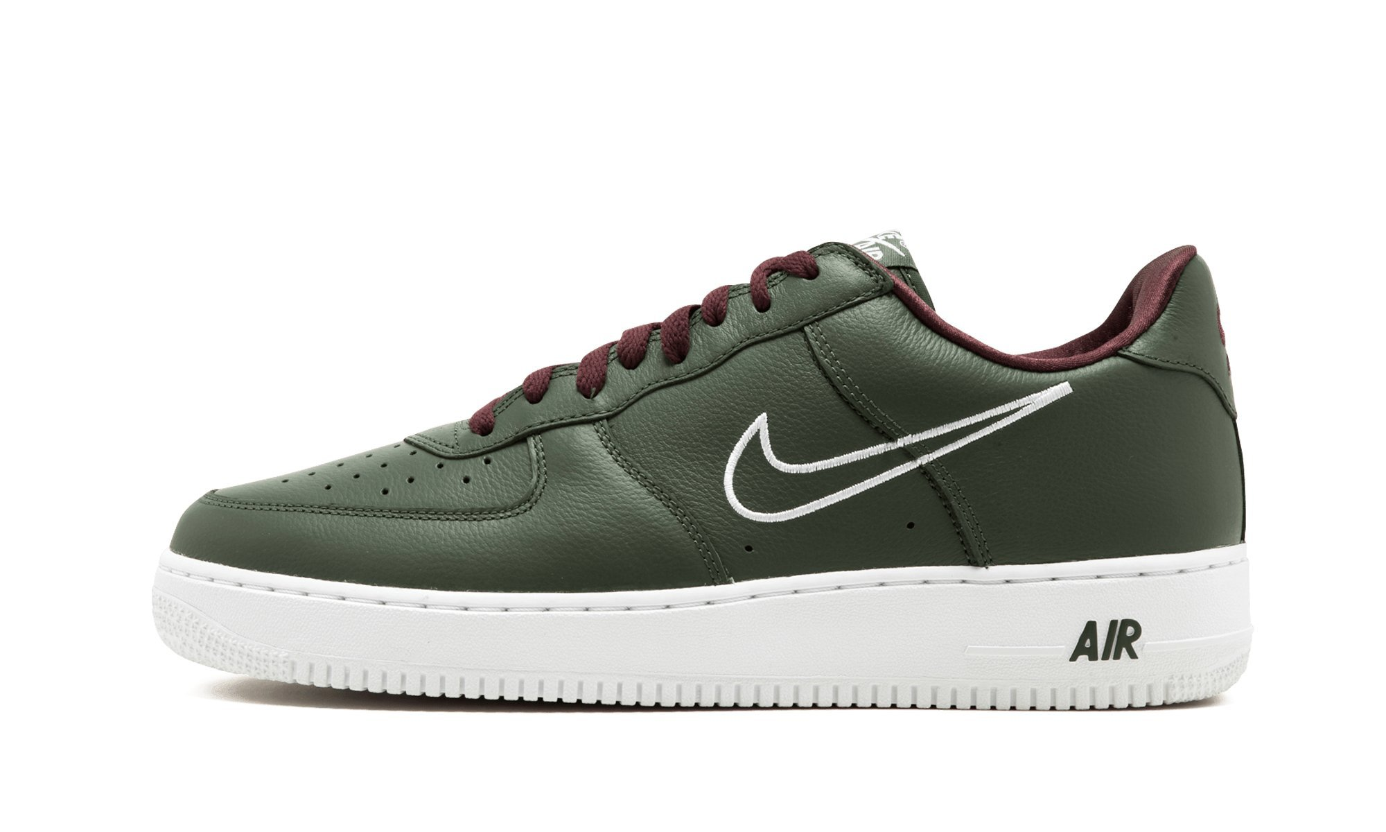 new product 5b1ff 6b2dc Galleon - Nike Men s Air Force 1 Low Retro, Deep Forest White-Dorado, 10.5  M US