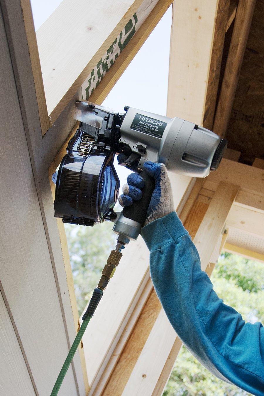 hitachi siding nailer. hitachi nv65ah2 coil siding nailer, 2-1/2-inch: amazon.co.uk: diy \u0026 tools nailer