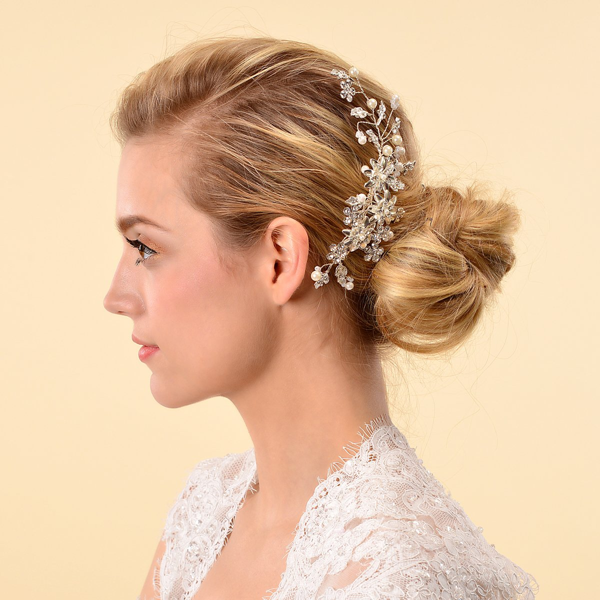 Remedios Cyrstal Flower Side Hair Comb | Curly Homecoming Hairstyles You Can Show Off
