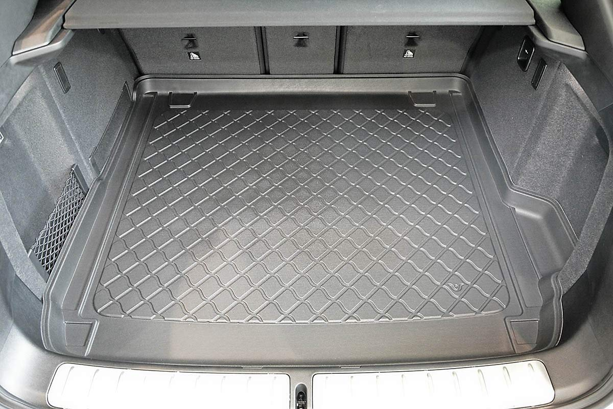 additional description: all versions 8004 Tailored Trunk Mat with Antislip cod MTM Boot Liner X4 G02 2018-