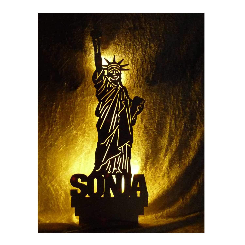 Schlummerlicht24 Nachtlicht Deko Lampe Design'USA Freiheitsstatue' Figur mit Name nach Wunsch, ideales Geschenk fü r USA Fans, als Deko Bild Lampe zum Zimmer verschö nern, Wandtattoo