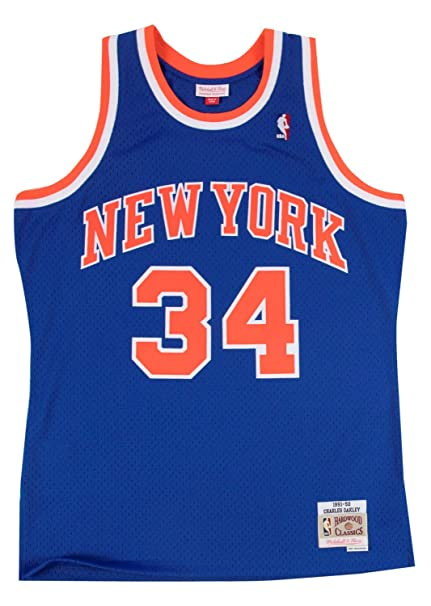 68ca82c7835 Mitchell   Ness New York Knicks Charles Oakley NBA Men s Hardwood Classic  Swingman Jersey (Small
