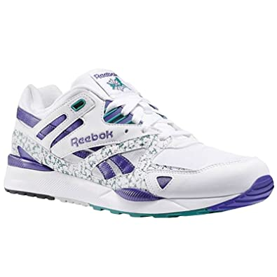 abe8988a9ad Reebok Classic Mens Ventilator II Running  Amazon.co.uk  Shoes   Bags