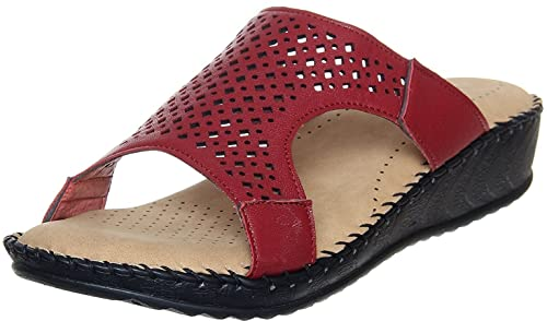677d39ccec16 Maddy Women Perfect Stylish Doctor Sole Orthopaedic Slippers  Amazon ...