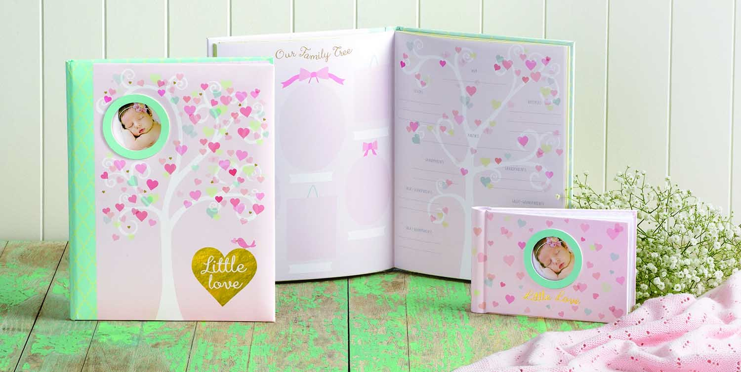 Gibson Grandmas Brag Book Little Love Holds Up To 40 Photos Acid//PVC Free Photo Safe Pages 10 Sheets//20 Pages Measures 4.5 x 7 C.R