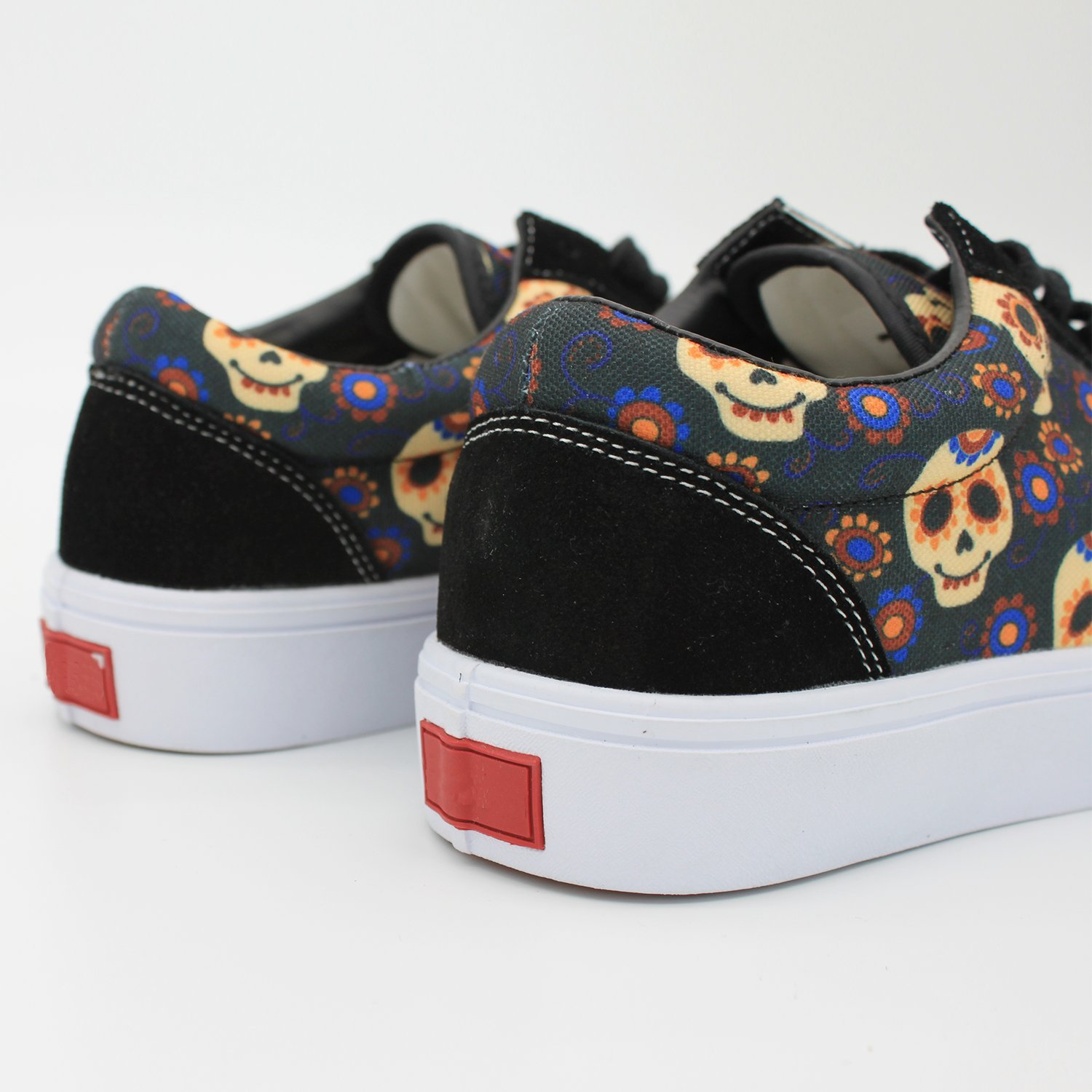 799004fe5366f Amazon.com | cozyshoeson Flower Skull Adults' Low-Top Trainers ...