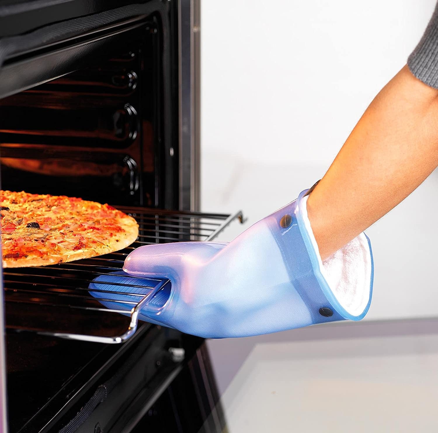 Mastrad A82303 Silicone Oven Mitt with Cotton Lining Blue