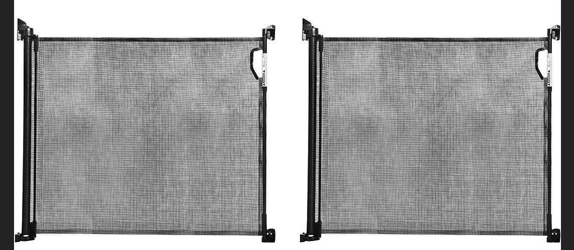 Black Dreambaby Retractable Gate