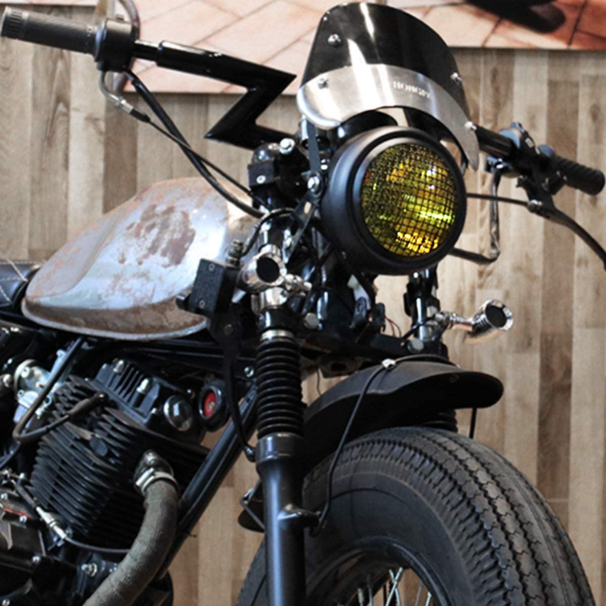 KATUR Phare Halog/èNe 12V Universel Moto R/éTro Balle Maille Gril Couverture Avant Montage Lat/éRal Phare pour Harley Honda Suzuki V/éLos Croiseurs Chopper Bobber Cafe Racer Lentille Blanche