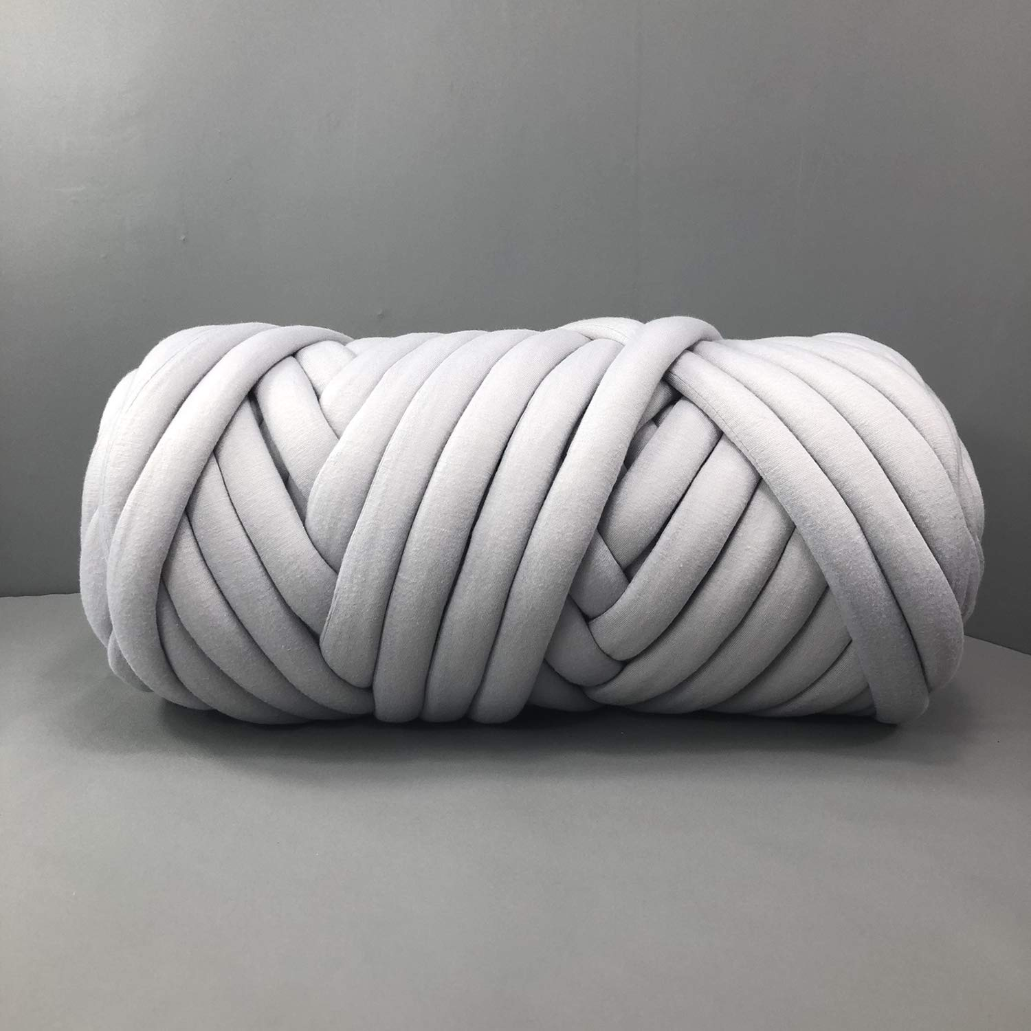 EASTSURE Chunky Braid Cotton Yarn Supre Large for Arm Knitting DIY Handmade Blankets Machine Washable,Grey,2.2LB