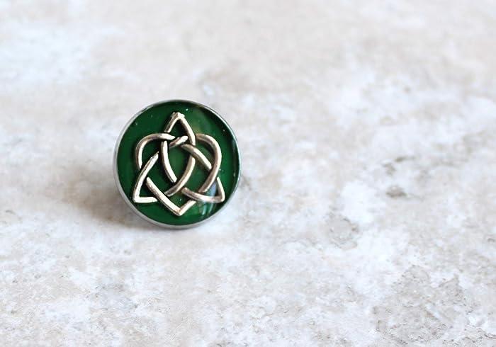 Amazon com: green Celtic knot tie tack/lapel pin: Handmade