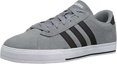 en un día festivo actividad latín  Amazon.com: Zapatillas Adidas para uso diario de moda para hombre: Shoes