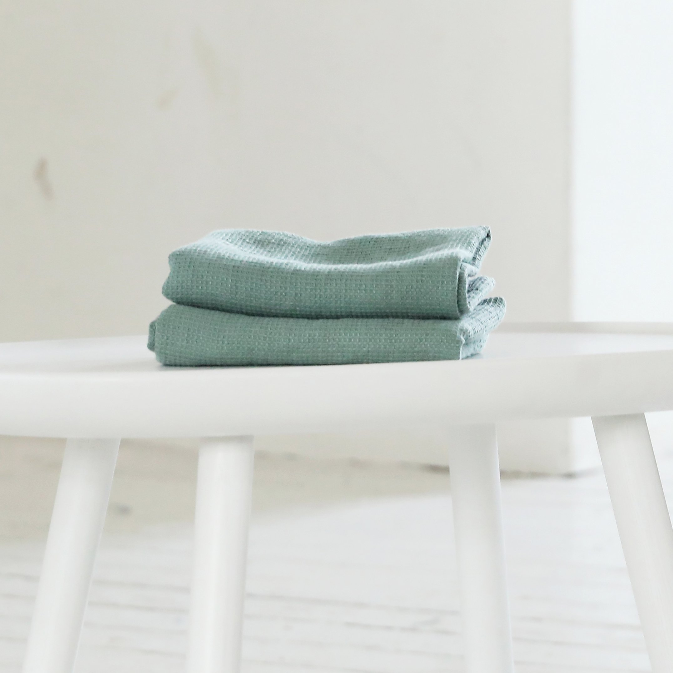 LinenMe Set of 2 Linen Waffle Hand Towels Washed 20'' x 28'' X2, Spa Green