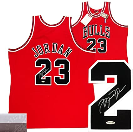 more photos f099c d5cd9 Michael Jordan Autographed/Signed Chicago Bulls Mitchell ...