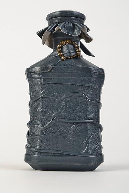 Botella decorativa forrada en cuero con hebilla hecha a mano