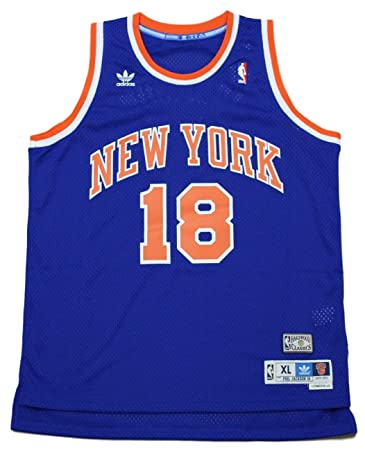 new arrivals 9bf55 88a00 Amazon.com : New York Knicks Phil Jackson Adidas Soul ...