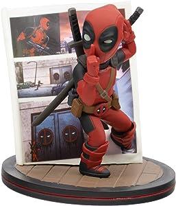 QMx Marvel Deadpool 4D Q-Fig Diorama Figure