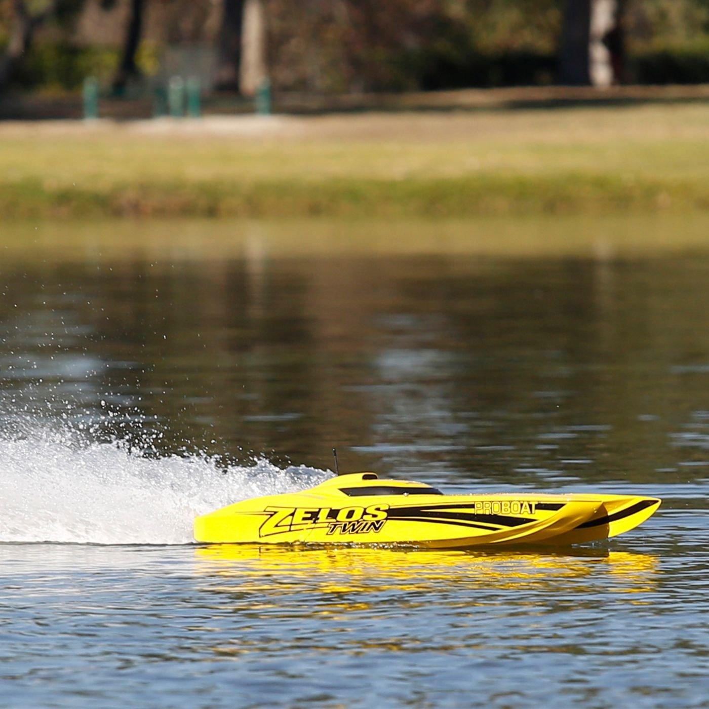 Amazon.com: Pro Boat Zelos 36 Twin Catamaran BL RTR RC Boat: Toys ...