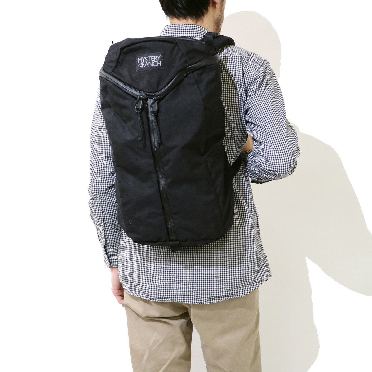 28af8170f Amazon.com | Mystery Ranch Unisex Urban Assault Black One Size | Casual  Daypacks