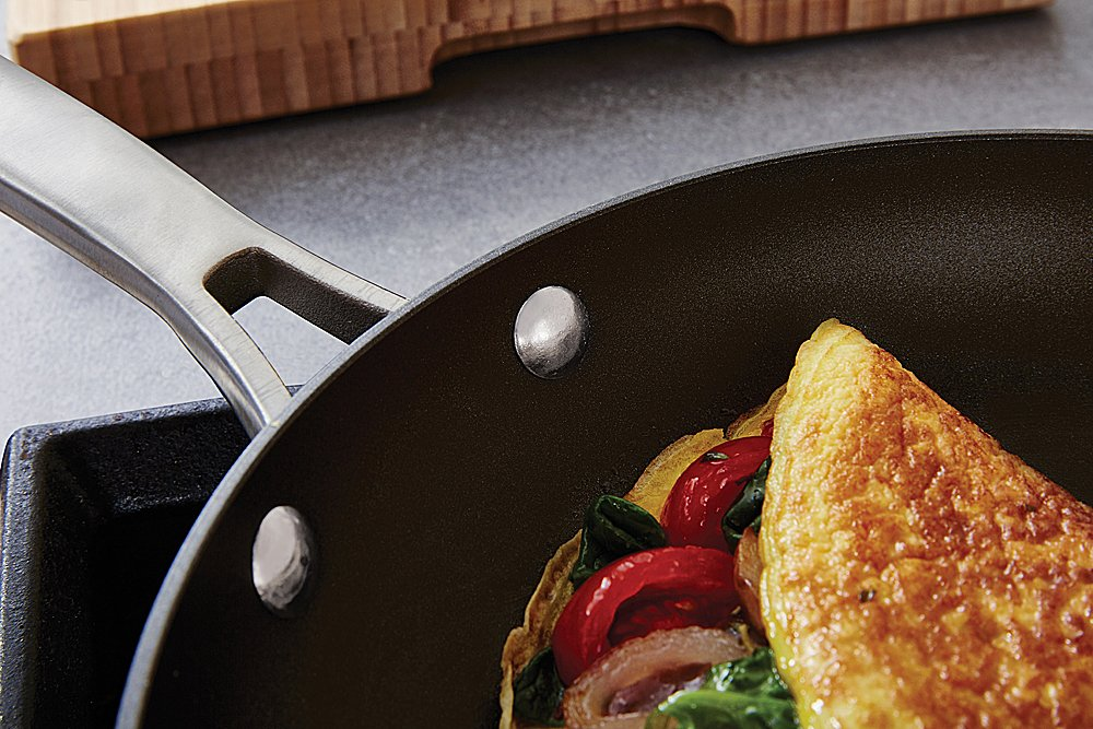 Calphalon 1932340 Classic Nonstick Omelet Fry Pan with Cover, 12 Inch, Grey by Calphalon (Image #4)